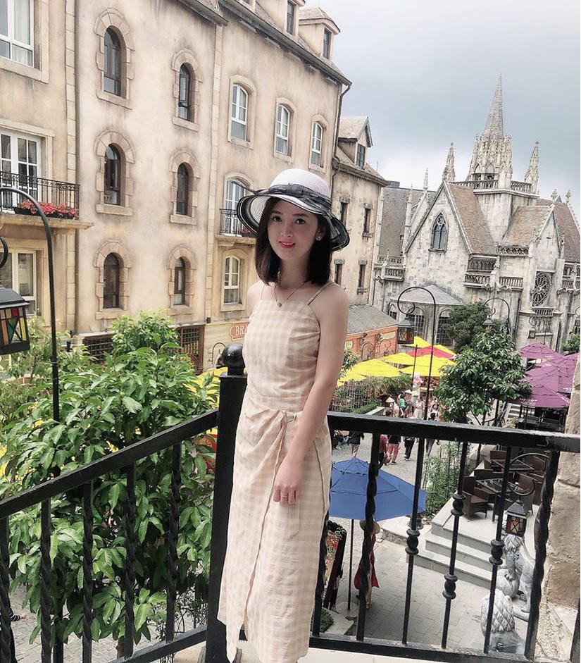 Nhan sắc xinh như hot girl của cô dâu Cao Bằng dát vàng8