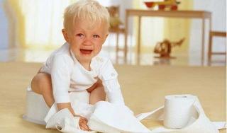 Lý giải nguyên nhân trẻ nhỏ uống sữa công thức dễ bị táo bón