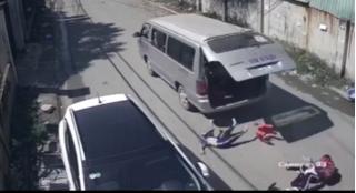 Phòng Giáo dục lên tiếng vụ xe đưa đón làm rơi 3 học sinh xuống đường