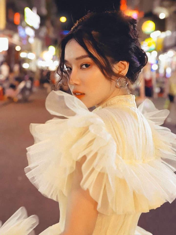 Hoàng Yến Chibi, Trấn Thành đạt giải Nam, Nữ diễn viên chính xuất sắc tại Bông sen vàng