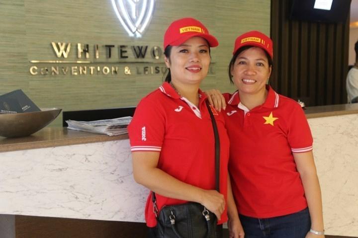 Hai nữ CĐV thưởng 500 triệu nếu tuyển nữ VN vô địch SEA Games2