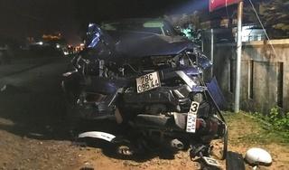 Ô tô bán tải gây tai nạn kinh hoàng, 4 người tử vong
