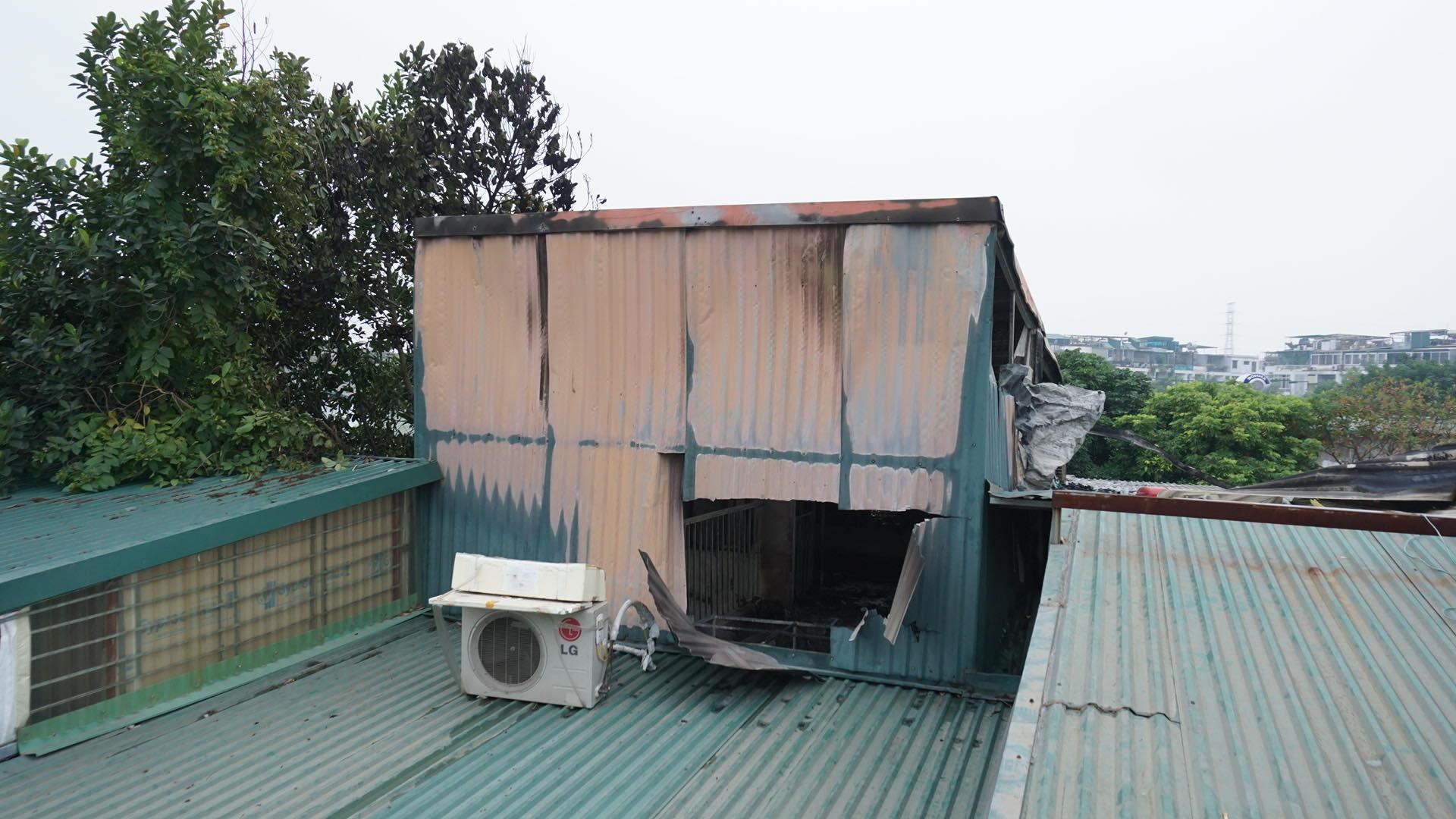 Cháy lớn trong ngõ, 3 bà cháu tử vong ở Hà Nội