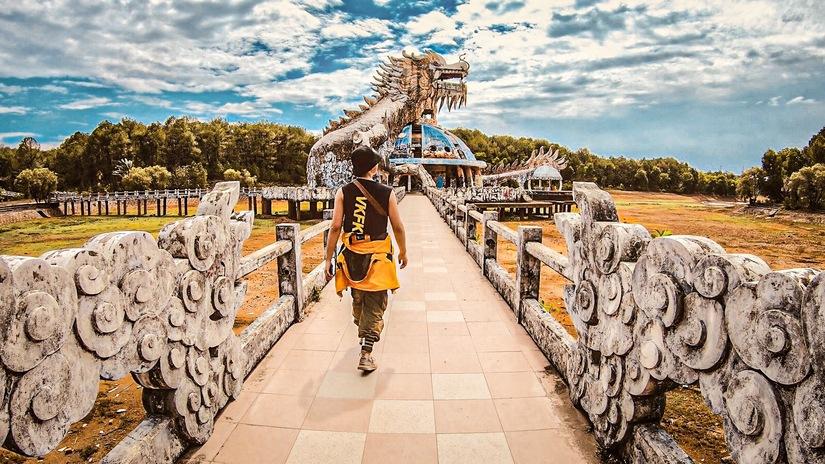 Chàng trai 'tung thính' bằng loạt ảnh check-in đẹp thần sầu trên hành trình xuyên Việt 18