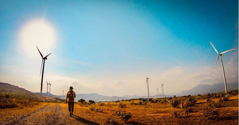 Chàng trai 'tung thính' bằng loạt ảnh check-in đẹp thần sầu trên hành trình xuyên Việt 15