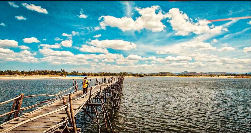 Chàng trai 'tung thính' bằng loạt ảnh check-in đẹp thần sầu trên hành trình xuyên Việt 10
