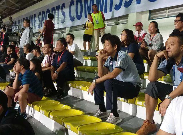 Báo Indonesia cay cú vì HLV Thái Lan cười khi U22 Việt Nam thắng