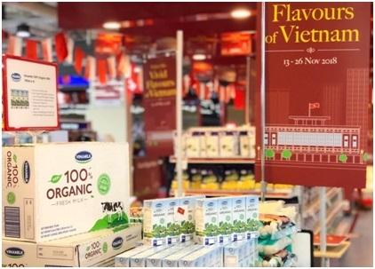 Sữa tươi organic Vinamilk dành được cảm tình của người dân Singapore