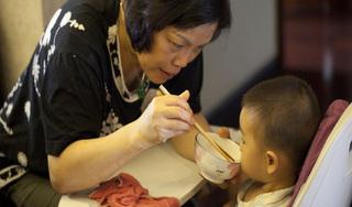 Bé gái nhiễm vi khuẩn HP vì hành động thường xuyên của bà nội