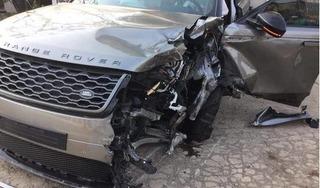 Xe Range Rover va chạm liên hoàn với 3 ô tô, 2 người bị thương