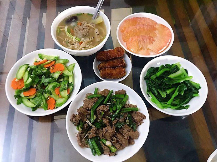 Vợ bầu 9X đảm đang hết nấc, nấu ăn ngon và bổ dưỡng miễn chê11