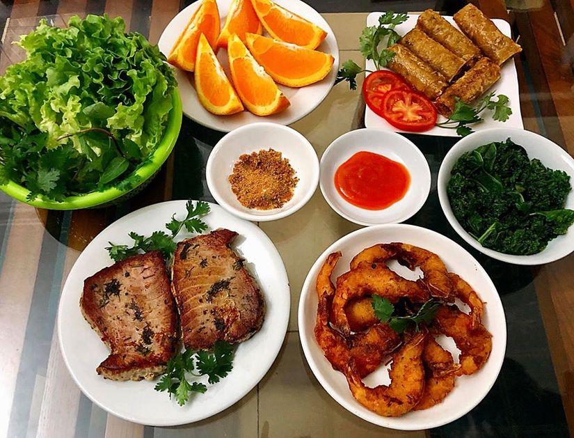 Vợ bầu 9X đảm đang hết nấc, nấu ăn ngon và bổ dưỡng miễn chê