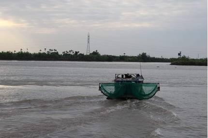 Tìm thấy thi thể 2 vợ chồng trong vụ đắm tàu chở gạch ở Hải Phòng