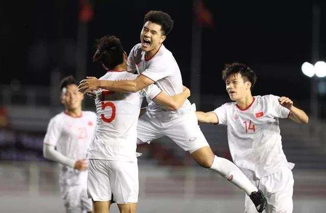 Lý do sốc khiến cầu thủ Singapore đá như lên đồng trước Việt Nam