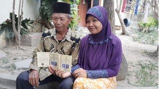 Cô gái 28 tuổi kết hôn với ông già 70 chỉ 4 tháng sau lần gặp đầu tiên
