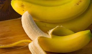 Chuyên gia làm rõ lời đồn ăn vỏ chuối có thể giảm cân