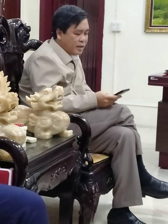 """Yên Bái: UBND huyện Văn Chấn """"nhờ"""" nhà máy gạch Quang Thịnh múc đất trái phép3"""