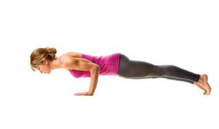 Mẹo ngừa đau lưng cho người mới tập Yoga