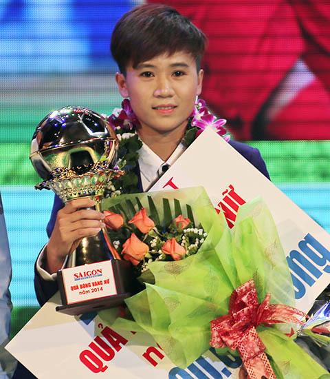 Tiết lộ thú vị về cô gái vàng bóng đá Việt Nam qua lời kể của gia đình