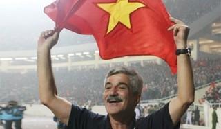 HLV Calisto chúc mừng ngôi vô địch SEA Games của thầy trò HLV Park Hang Seo