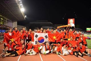 Báo Indonesia tâm phục khẩu phục, CĐV lại cay cú tố Việt Nam chơi xấu