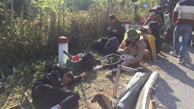 Xe của Trung tâm dạy nghề trẻ tàn tật đâm vào vách núi, 8 người thương vong