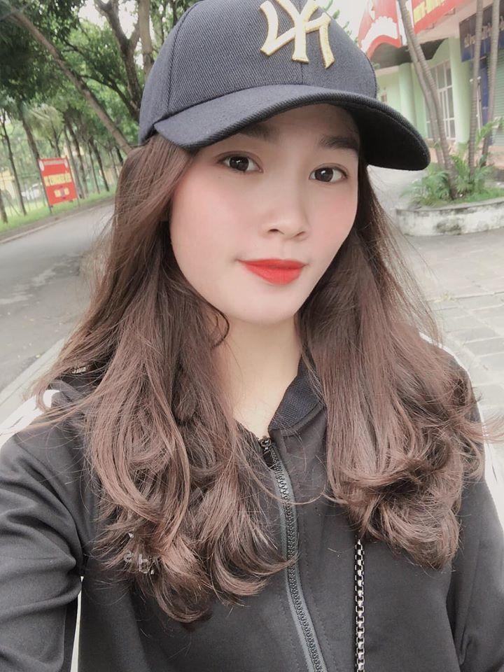 Ảnh đời thường xinh đẹp của nữ VĐV Nam Định lần đầu dự SEA Games 6
