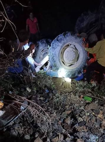 Bé gái tử vong khi lật máy cày đi bão sau trận U22 Việt Nam