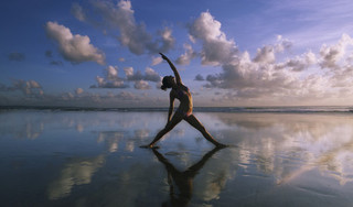 Tác dụng tuyệt diệu của Yoga với cột sống
