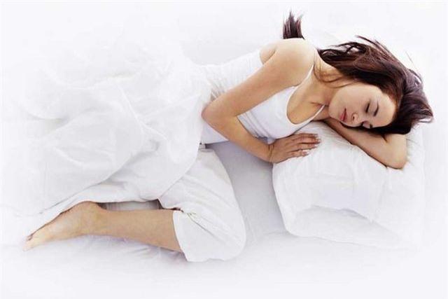 Những thói quen trước khi đi ngủ khiến bạn già nua, giảm tuổi thọ