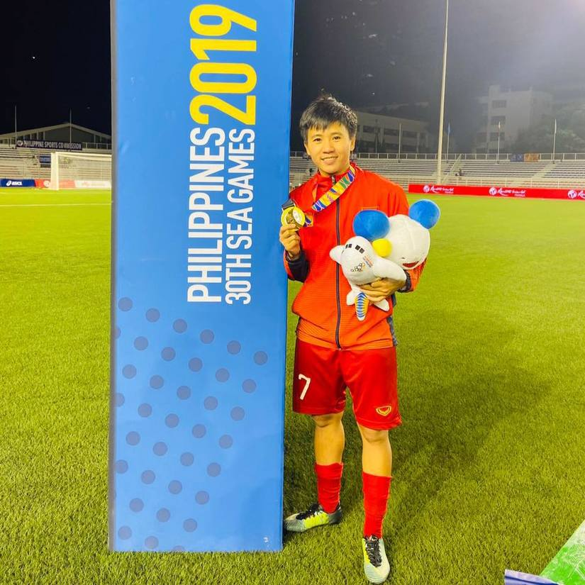 Cô gái vàng bóng đá nữ Việt Nam: Đây là lần đầu tiên được quan tâm