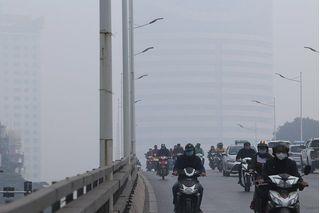 Hà Nội ô nhiễm không khí khủng khiếp, khuyến cáo hạn chế hoạt động ngoài trời