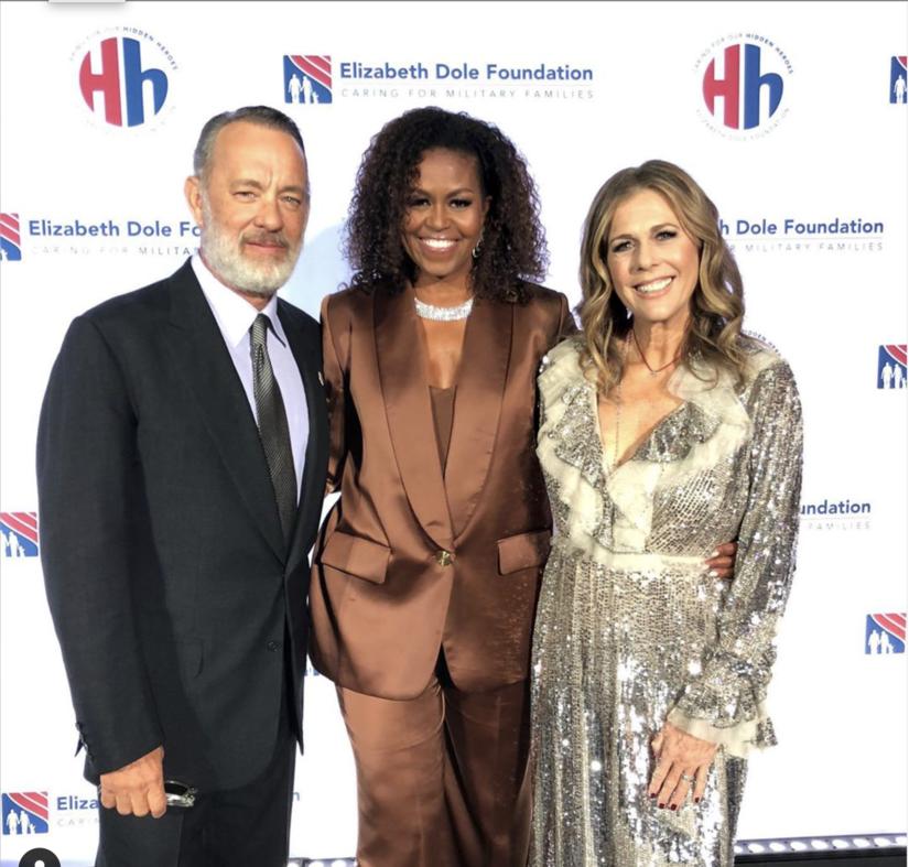 Cựu đệ nhất phu nhân Mỹ Michelle Obama tiếp tục diện thiết kế của Công Trí