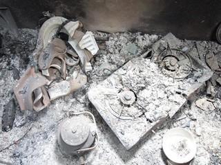 Cuồng ghen, vợ thuê người tưới xăng đốt nhà 'tình địch'
