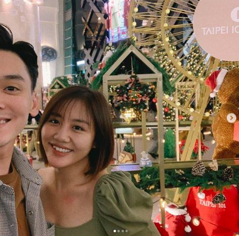Văn Mai Hương hé lộ hình ảnh bạn trai đúng đêm Noel