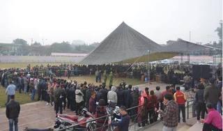 Hàng trăm người dân đến theo dõi xét xử vụ nữ sinh giao gà bị sát hại