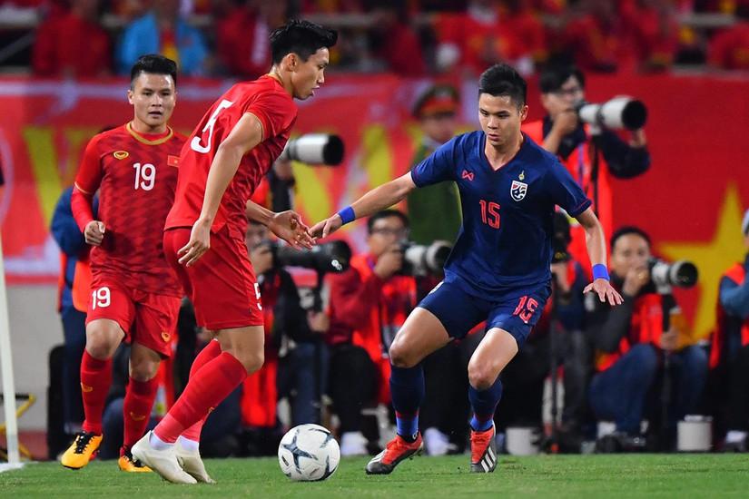 Một bầu trời ảm đạm vây quanh bóng đá Thái Lan