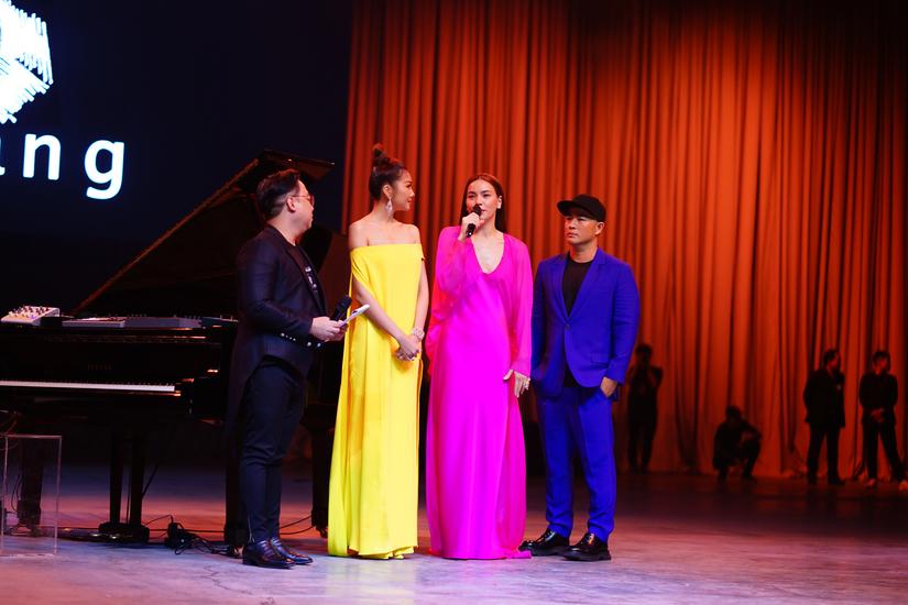 Sơn Tùng M-TP, Thanh Hằng, Hà Hồ tới chúc mừng triển lãm thời trang của Công Trí