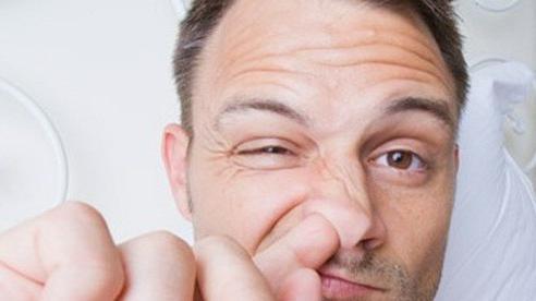 Ngoáy mũi, xì mũi có nguy cơ vỡ mạch máu phải nhập viện