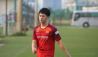 Trung vệ Trần Đình Trọng nhận tin sốc trên đất Thái Lan