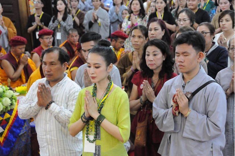 Bước sang năm 2020, Angela Phương Trinh tuyên bố ăn chay trọn đời