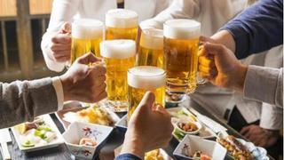 Suy gan vì rượu bia ngày cuối năm, uống thế nào cho đủ?