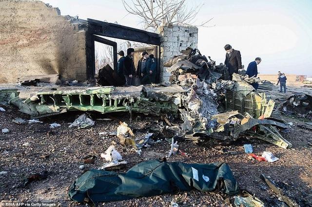 Tìm thấy hộp đen, công bố nguyên nhân vụ rơi máy bay ở Iran khiến 176 người chết