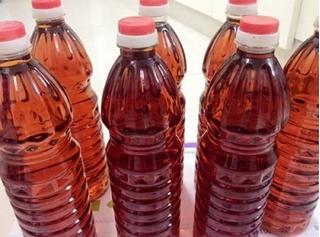 Hãi hùng 4 công ty dùng hóa chất tẩy rửa bồn vệ sinh làm nước mắm