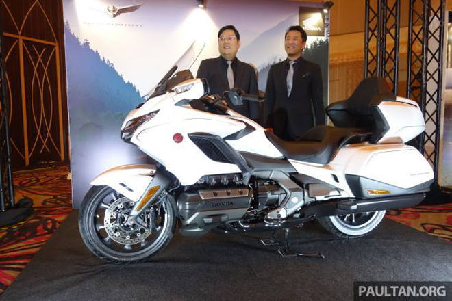Chuyên cơ mặt đất Honda GL1800 Gold Wing 2020, giá gần 1,2 tỷ đồng
