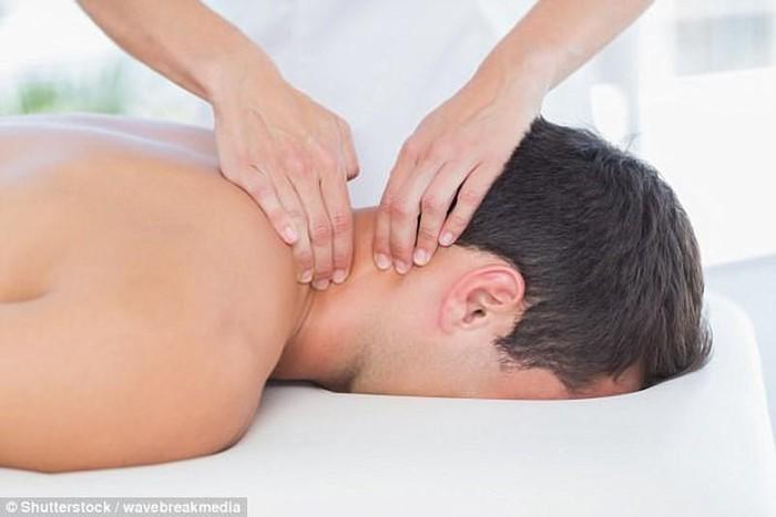Massage cổ gây tử vong, lương y chỉ ra các huyệt đạo không được tùy tiện bấm huyệt