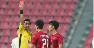 Trần Đình Trọng bị treo giò ở vòng loại World Cup 2022