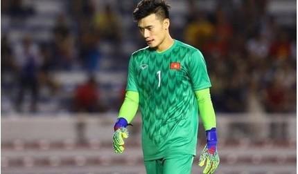 Báo Thái cảm thông với pha bóng 'xủi xẻo' của thủ môn Bùi Tiến Dũng