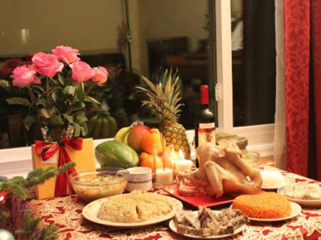 Đêm Giao thừa là đêm cuối cùng của năm cũ, là điểm chuyển giao giữa năm cũ và năm mới.