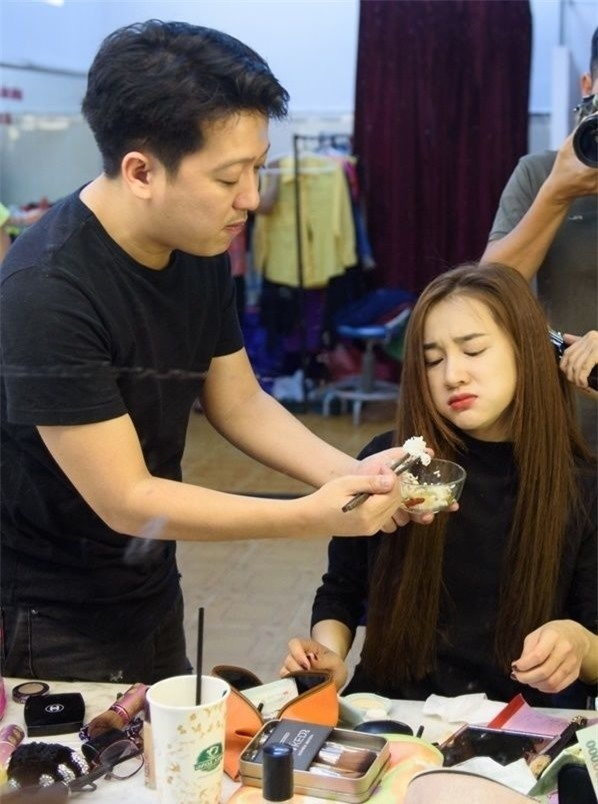 Những ông chồng đảm đang trong showbiz Việt khiến hàng triệu chị em ao ước